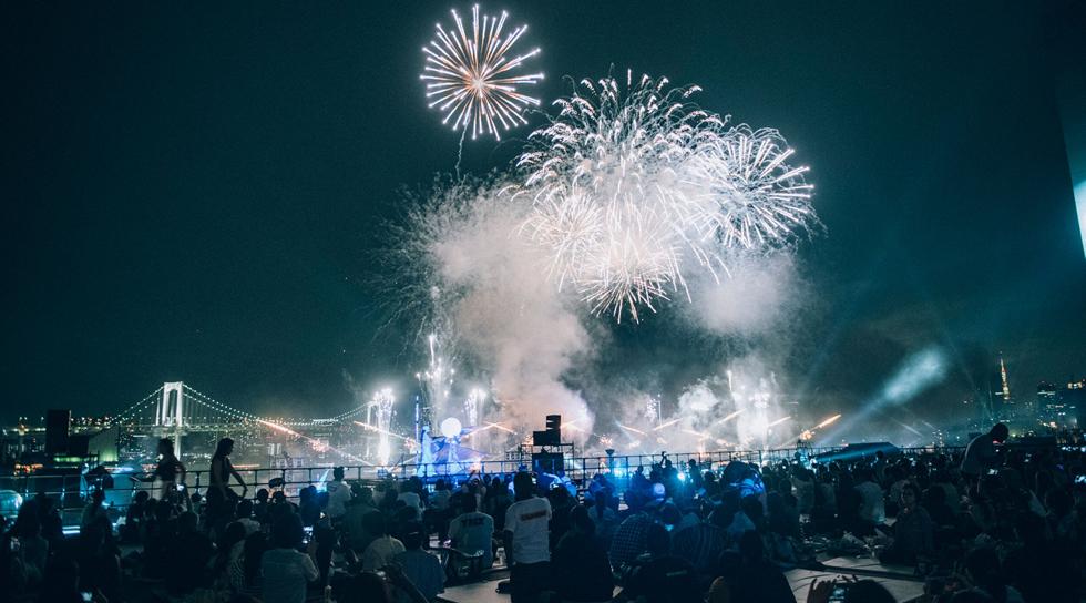近未来型の花火「STAR ISLAND」 - スターアイランドの感想や評判をチェック!スターアイランドのレポート・口コミ感想!- イベントサーチ